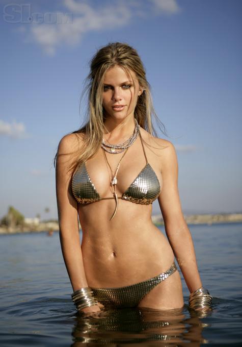 group-laura-linney-bikini